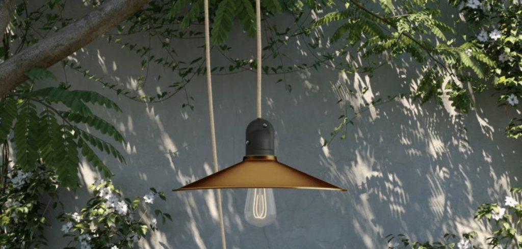 hanglamp als buitenverlichting in de tuin